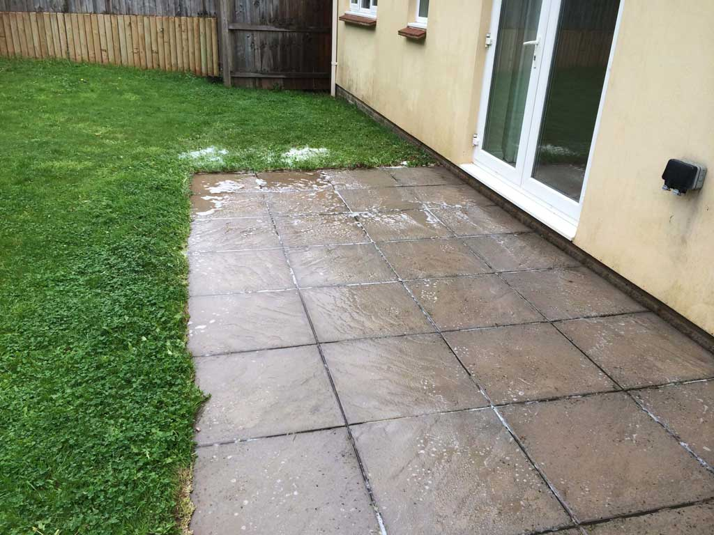 Garden pathway cleaning