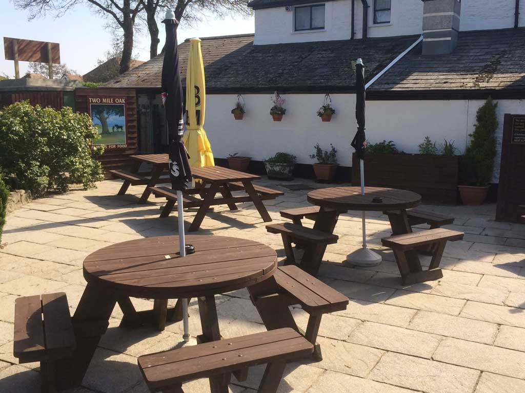 Pub garden cleaning services