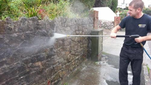Stone Wall Cleaning Service
